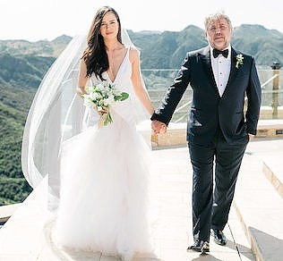 Elsa &amp; Jerome - <p>Malibu Rocky Oaks<br /> Malibu, CA</p>  <p>Fresh and clean for this fashion industry couple that stunned in Malibu. With a palette of layered grays, cream and white along with mixed metals, lush drapery and bountiful blooms it is surely not one to be missed.</p>