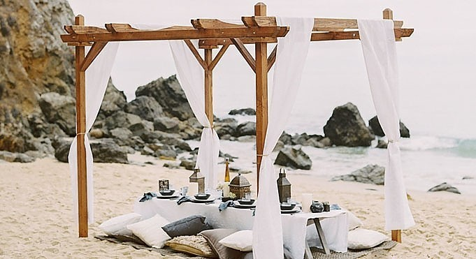 Seaside Dinner Party - <p>Emerald Bay<br /> Laguna Beach, CA</p>  <p>A traditionally casual affair turned up a notch. Guests enjoyed the last evening of summer beachside where they dined under the stars.</p>
